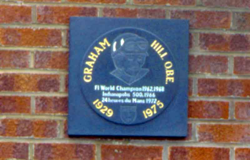 Memorial to Graham Hill ....